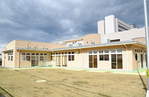 八戸市立市民病院院内保育園 「いちょうの樹」
